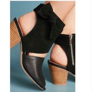 Anthropologie Black Suede Bow Shooties Size 9